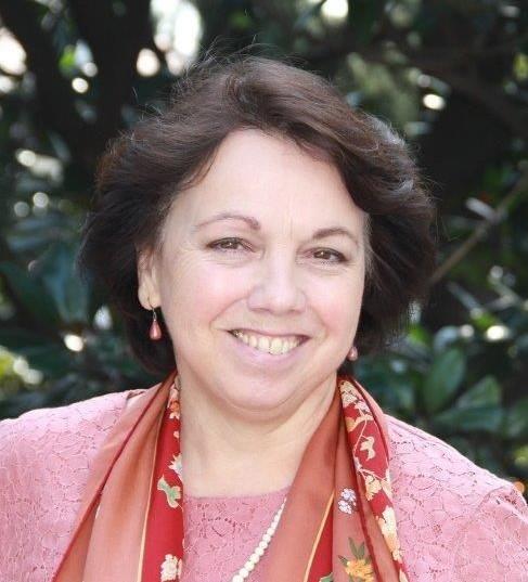 Dr. Christine D. Althauser Beirat Beschnitten