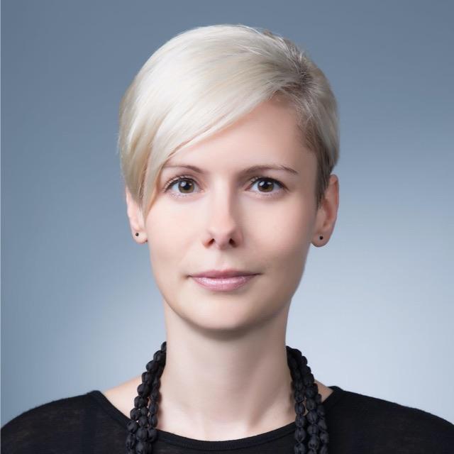 Dr. Alicia Hennig